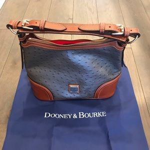 Dooney & Bourne Pebble Grain Purse NWOT